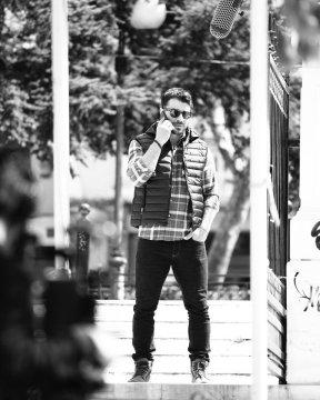 """Ο Γιώργος κατά τη διάρκεια των γυρισμάτων για το """"τατουάζ"""" στο Άλσος Κηφισιάς - 27 Μαρτίου 2018 Φωτογραφία: antonigeorgiou Instagram"""