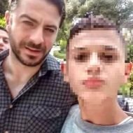 """Ο Γιώργος μαζί με φαν στο Άλσος Κηφισιάς όπου βρέθηκε για τα γυρίσματα του """"Τατουάζ"""" στις 27 Μαρτίου 2018 Φωτογραφία: gianniszerbas Instagram"""