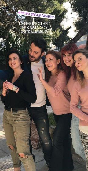 Ο Γιώργος μαζί με τα κορίτσια του The Nail Bar στην Αγία Παρασκευή - 29 Μαρτίου 2018 Φωτογραφία: eleancat Instagram