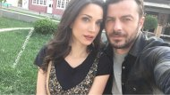 """Ο Γιώργος και η Κατερίνα σε ένα διάλειμμα κατά τη διάρκεια των γυρισμάτων του """"Τατουάζ"""" στην Καλαμπάκα - 16 Απριλίου 2018 Φωτογραφία: official_danos_ga Instagram"""