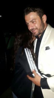 """Ο Γιώργος με φαν στα 13α βραβεία Madame Figaro """"Γυναίκες της χρονιάς"""" που έγιναν στο Δημοτικό Θέατρο Στροβόλου στις 17 Απριλίου 2018 Φωτογραφία: andreaax__ Instagram"""