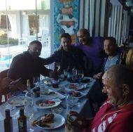 Ο Γιώργος με φίλους στη Σκιάθο στις 7 Απριλίου 2018 Φωτογραφία: adonishalkias Instagram