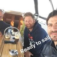 Ο Γιώργος με φίλους στη Σκιάθο στις 7 Απριλίου 2018 Φωτογραφία: official_danos_ga Instagram