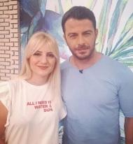 """Ο Γιώργος μαζί με την Μαρίνα Αρμακόλα, συνεργάτιδα της εκπομπής """"Το Πρωινό"""", όπου βρέθηκε για συνέντευξη στις 25 Μαΐου 2018 Φωτογραφία: marina_armakola Instagram"""