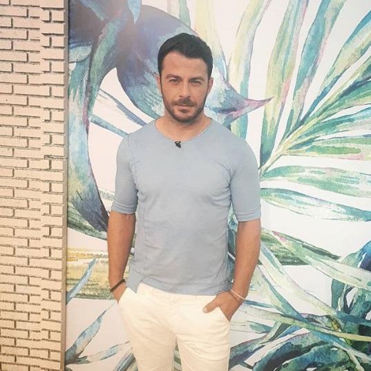 """Ο Γιώργος στην εκπομπή """"Πρωινό"""" όπου βρέθηκε στις 25 Μαΐου 2018 Φωτογραφία; toprwino_ant1 Instagram"""
