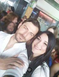 Ο Γιώργος μαζί με φαν στη Ρόδο όπου βρέθηκε για τα εγκαίνια του Treasure & Jewels στις 26 Μαΐου 2018 Φωτογραφία: Ευαγγελία Κοτροκόη Facebook