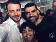 Ο Γιώργος μαζί με φανς στη Ρόδο όπου βρέθηκε για τα εγκαίνια του Treasure & Jewels στις 26 Μαΐου 2018 Φωτογραφία: Dikaia Zampoulaki Facebook