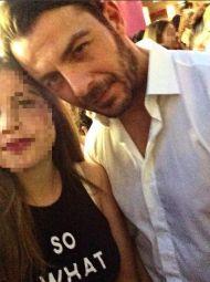 Ο Γιώργος μαζί με φαν στη Ρόδο όπου βρέθηκε για τα εγκαίνια του Treasure & Jewels στις 26 Μαΐου 2018 Φωτογραφία: maria.kokkari Instagram