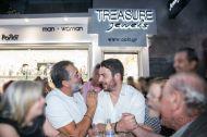 Ο Γιώργος με τον Κούλλη Νικολάου στο μαγαζί Treasure & Jewels στη Ρόδο - 26 Μαΐου 2018 Φωτογραφία: Treasure Jewels & More. Facebook