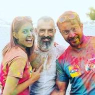 """Ο Γιώργος και η Κωνσταντίνα μαζί με τον φωτογράφο Χάρη Ευαγόρου κατά τη φωτογράφιση της εκδήλωσης """"Run in Colour"""" - 3 Μαΐου 2018 Φωτογραφία: charis_evagorou Instagram"""