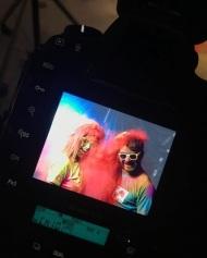 """Ο Γιώργος και η Κωνσταντίνα κατά τη φωτογράφιση της εκδήλωσης """"Run in Colour"""" - 3 Μαΐου 2018 Φωτογραφία: runincolour Instagram"""