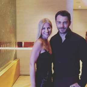 Ο Γιώργος με τη δημοσιογράφο Χριστίνα Κόμπου στο πάρτι του TLife που έγινε στο Galaxy Bar & Restaurant στο Hilton - 21 Ιουνίου 2018 Φωτογραφία: xristina_kobou Instagram