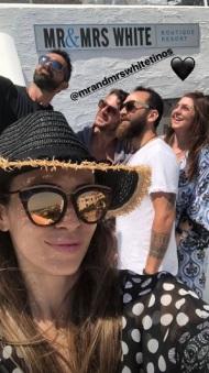Ο Γιώργος μαζί με φίλους στην Τήνο όπου βρέθηκε για τον γάμο του Γιώργου Χρανιώτη - 24 Ιουνίου 2018 Φωτογραφία: elenachalati Instagram