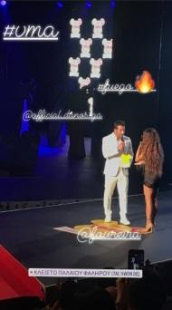Ο Γιώργος μαζί με την Ελένη Φουρέιρα στη σκηνή, την οποία και βράβευσε ως Best Female Pop Artist της χρονιάς στα βραβεία Mad που έγιναν στις 27 Ιουνίου 2018 Φωτογραφία: maniakapar Instagram