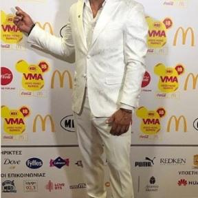 Ο Γιώργος στο κόκκινο χαλί των βραβείων Mad που έγιναν στις 27 Ιουνίου 2018 Φωτογραφία: official_danos_ga Instagram