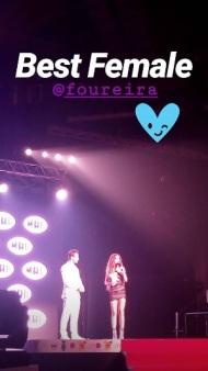 Ο Γιώργος μαζί με την Ελένη Φουρέιρα στη σκηνή, την οποία και βράβευσε ως Best Female Pop Artist της χρονιάς στα βραβεία Mad που έγιναν στις 27 Ιουνίου 2018 Φωτογραφία: paulito955 Instagram