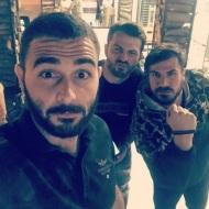 Ο Γιώργος μαζί με τον Άκη Πετρετζίκη και φίλο στο Burger AP στην Αγία Παρασκευή - 31 Μαΐου 2018 Φωτογραφία: sifis_gle_josef2 Instagram