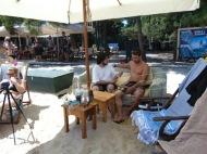"""Ο Γιώργος στις Κουκουναριές Σκιάθου την 1 Ιουλίου 2018 παραχωρώντας συνέντευξη στον Θεοδόση Παρίση για το """"Ό,τι συμβαίνει στη Σκιάθο"""" Φωτογραφία: Ό,τι συμβαίνει στη Σκιάθο"""