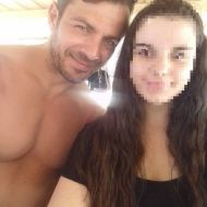 Ο Γιώργος με φαν στις Κουκουναριές στη Σκιάθο την 1η Ιουλίου 2018 Φωτογραφία: christinaverani Instagram