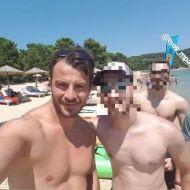 Ο Γιώργος με φαν στις Κουκουναριές στη Σκιάθο την 1η Ιουλίου 2018 Φωτογραφία: stelios_kaf Instagram