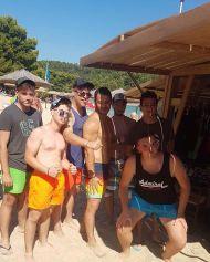 Ο Γιώργος με φανς στο Salto WaterSports στις Κουκουναριές Σκιάθου - 21 Ιουλίου 2018 Φωτογραφία: tzaferhs Instagram