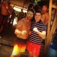 Ο Γιώργος με φαν στο Salto WaterSports στις Κουκουναριές Σκιάθου - 21 Ιουλίου 2018 Φωτογραφία: zhshs_mpouzoukas Instagram