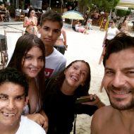 Ο Γιώργος με φανς στο Salto WaterSports στις Κουκουναριές Σκιάθου - 22 Ιουλίου 2018 Φωτογραφία: _bunny_lampaki_ Instagram