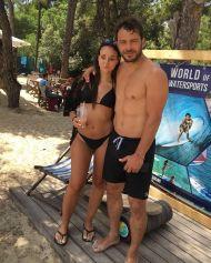 Ο Γιώργος με φαν στο Salto WaterSports στις Κουκουναριές Σκιάθου - 22 Ιουλίου 2018 Φωτογραφία: a_daskalaki Instagram