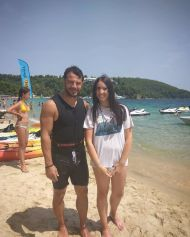 Ο Γιώργος με φαν στο Salto WaterSports στις Κουκουναριές Σκιάθου - 22 Ιουλίου 2018 Φωτογραφία: altiana_m Instagram