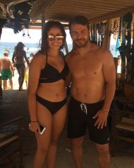 Ο Γιώργος με φαν στο Salto WaterSports στις Κουκουναριές Σκιάθου - 22 Ιουλίου 2018 Φωτογραφία: ioannanouria Instagram