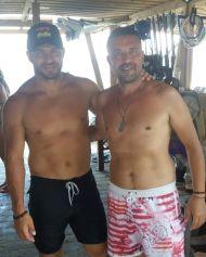 Ο Γιώργος μαζί με τον καλό του φίλο Άκη στο Salto Watersports στις Κουκουναριές στη Σκιάθο - 4 Αυγούστου 2018 Φωτογραφία: akis.passaris Instagram