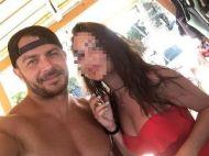 Ο Γιώργος μαζί με φαν στις Κουκουναριές στη Σκιάθο - 4 Αυγούστου 2018 Φωτογραφία: elpida.mpou Instagram