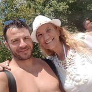 Ο Γιώργος μαζί με φαν στις Κουκουναριές στη Σκιάθο - 4 Αυγούστου 2018 Φωτογραφία: mumpfeiffer Instagram