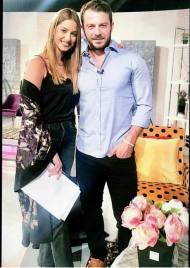 Ο Γιώργος μαζί με την Κωνσταντίνα Ευριπίδου στα στούντιο του Sigma TV όπου βρέθηκε για συνέντευξη στις 12 Οκτωβρίου 2018 Φωτογραφία: con_ev Instagram