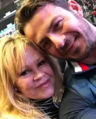 Ο Γιώργος μαζί με την ηθοποιό Μέλανι Γκρίφιθ κατά τη διάρκεια σεμιναρίου του Τόνι Ρόμπινς στη Νέα Υόρκη - 10 Νοεμβρίου 2018 Φωτογραφία: official_danos_ga Instagram