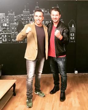 """Ο Γιώργος μαζί με τον Στέφανο Κωνσταντινίδη κατά τη συνέντευξή του στην εκπομπή """"Στη φωλιά των Κου Κου"""" στις 29 Νοεμβρίου 2018 Φωτογραφία: stefkonstantinidis Instagram"""