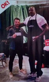 Ο Γιώργος μαζί με τον πρώην μπασκετμπολίστα Σακίλ Ο' Νιλ στα Tristar Studios στη Νέα Υόρκη Φωτογραφία: Περιοδικό ΟΚ
