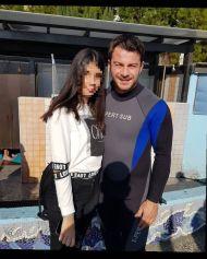 """Ο Γιώργος μαζί με φαν στην εκδήλωση """"Κολυμπώ με τους Ο.Υ.Κ. για τους μικρούς ήρωες"""" στη Λεμεσό - 22 Δεκεμβρίου 2018 Φωτογραφία: con_ianthi IG"""
