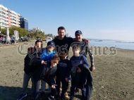 """Ο Γιώργος μαζί με φανς στην εκδήλωση """"Κολυμπώ με τους Ο.Υ.Κ. για τους μικρούς ήρωες"""" στη Λεμεσό - 22 Δεκεμβρίου 2018 Φωτογραφία: cyprustimes.com"""