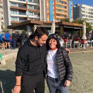"""Ο Γιώργος μαζί με φαν στην εκδήλωση """"Κολυμπώ με τους Ο.Υ.Κ. για τους μικρούς ήρωες"""" στη Λεμεσό - 22 Δεκεμβρίου 2018 Φωτογραφία: stasou1 twitter"""