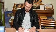 """Ο Γιώργος κατά τη διάρκεια της παρουσίασης του βιβλίου του """"Ντάνος: Μια αφήγηση στην Αυγή Σαββίδου"""" στα γραφεία της Εκδοτικής Αθηνών που έγινε στις 23 Φεβρουαρίου 2019 Φωτογραφία: Celebrity reporter"""