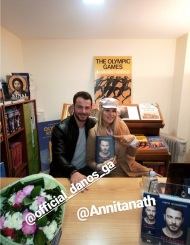 """Ο Γιώργος μαζί με τη Αννίτα Ναθαναήλ κατά τη διάρκεια της παρουσίασης του βιβλίου του """"Ντάνος: Μια αφήγηση στην Αυγή Σαββίδου"""" στα γραφεία της Εκδοτικής Αθηνών που έγινε στις 23 Φεβρουαρίου 2019 Φωτογραφία: elena_gerarhaki Instagram"""