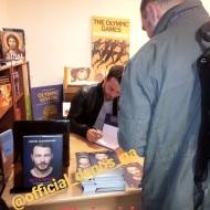 """Ο Γιώργος κατά τη διάρκεια της παρουσίασης του βιβλίου του """"Ντάνος: Μια αφήγηση στην Αυγή Σαββίδου"""" στα γραφεία της Εκδοτικής Αθηνών που έγινε στις 23 Φεβρουαρίου 2019 Φωτογραφία: elena_gerarhaki Instagram"""