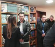 """Ο Γιώργος κατά τη διάρκεια της παρουσίασης του βιβλίου του """"Ντάνος: Μια αφήγηση στην Αυγή Σαββίδου"""" στα γραφεία της Εκδοτικής Αθηνών που έγινε στις 23 Φεβρουαρίου 2019 Φωτογραφία: SkiathosLife.gr Facebook"""