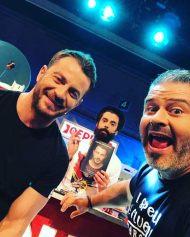 """Ο Γιώργος, ο Λούης και ο Παναγιώτης κατά τη διάρκεια της εκπομπής """"The Λούης Night Show"""" - 22 Μαρτίου 2019 Φωτογραφία: alphatvcyprus Instagram"""