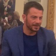 Ο Γιώργος κατά την παρουσίαση του βιβλίου του στον Βόλο που έγινε στις 17 Απριλίου 2019 Φωτογραφία: gavriilidisgiorgos via ntanos.official.fp Instagram