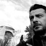 """Ο Γιώργος κατά τη διάρκεια των γυρισμάτων του video clip του τραγουδιού του Κώστα Αγέρη """"Για σένα πατρίδα μου"""" για τον Πόντο Φωτογραφία: Erotokritos Savvidis Facebook"""