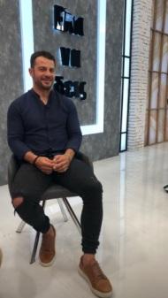 """Ο Γιώργος backstage κατά τη διάρκεια της συνέντευξης στην εκπομπή """"Έλα να δεις"""" - 31 Μαΐου 2019 Φωτογραφία: tasos_theodorou Instagram"""