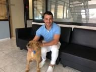 """Ο Γιώργος μαζί με τον """"Ντάνο"""" στις εγκαταστάσεις του Κρήτη TV στο Ηράκλειο - 21 Ιουνίου 2019 Φωτογραφία: neakriti.gr"""