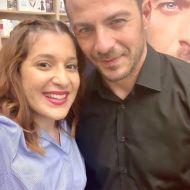 Ο Γιώργος με τη δημοσιογράφο Άννα Κριθαρίδου κατά τη διάρκεια της παρουσίασης του βιβλίου του στο κατάστημα Public του Nicosia Mall στην Κύπρο - 31 Μαΐου 2019 Φωτογραφία: annakrith Instagram